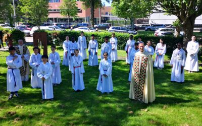 Altar Servers Recognized During Mass